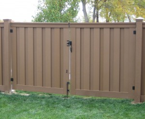 trex-seclusions-standard-double-fence-gate-big-007